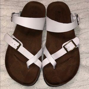 White Sandals (White Mountain)